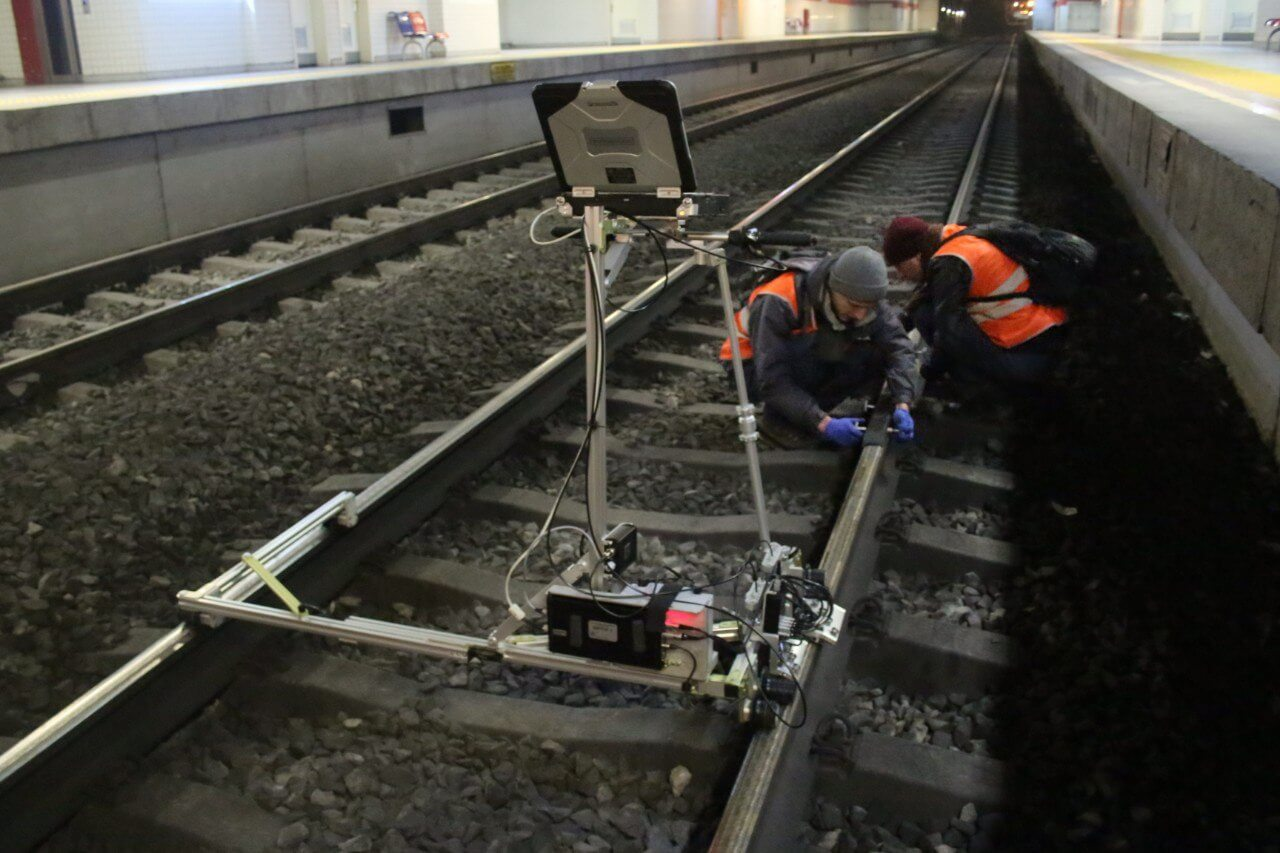 Testing of the rail head in process at the metropolitan/ETS2-77 application at the metropolitan